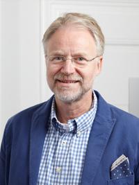Dr. med Arno Heinrich